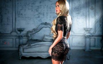 девушка, фон, платье, блондинка, комната, фотограф, кровать, черное, макияж, прическа, фигура, лучи света, стоит, прозрачное, сексуальная, стройная, sergey alexandrov, кружевное