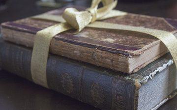 книги, лента, бант, старые