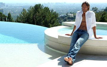 джинсы, мужчина, рубашка, габриэль обри