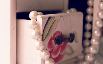 figure, macro, beads, box