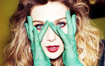 девушка, взгляд, волосы, губы, лицо, актриса, руки, пальцы, макияж, згляд, перчатки, элизабет олсен