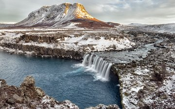 река, скалы, снег, камни, зима, гора, водопад