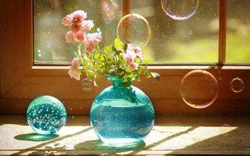 розы, пузыри, шар, букет, окно, ваза, голубая, натюрморт, мыльные пузыри, роз