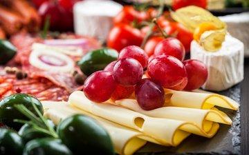виноград, сыр, овощи, колбаса, помидоры, оливки, брынза