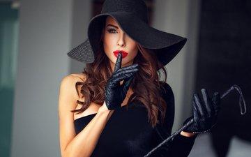 девушка, волосы, одёжа, кожа, макияж, изящность, шляпа, черное платье, красная помада, перчатки, ушанка, грим
