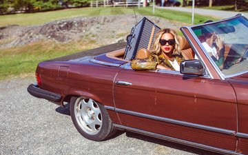 girl, blonde, machine, glasses, singer, beyonce, celebrity, glasses singer, очкиbeyonce