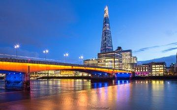 небо, облака, фонари, огни, вечер, река, города, мост, великобритания, лондон, темза, город, англия, подсветка, синее, небоскрёб, освещение, выдержка, столица, great britain, the shard, southwark bridge