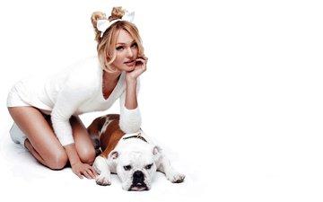 девушка, фон, поза, блондинка, белый, собака, модель, кэндис свейнпол