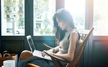 девушка, поза, ноутбук, азиатка