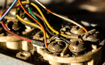 провода, макро, фон, пыль, паутина, ржавчина, винты, lines of communication, justin langston