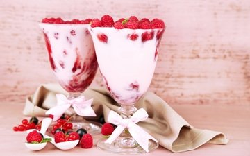 малина, ягоды, коктейль, напитки, бантик, смородина, ягоды малины, молока