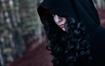 девушка, брюнетка, взгляд, капюшон, косплей, чародейка, yennefer, the witcher 3, yennefer of vengerberg