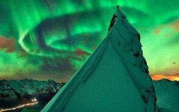 небо, ночь, горы, снег, зима, звезды, северное сияние, пик, aurora borealis, северный полюс