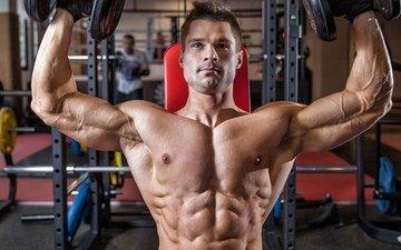 фитнес, гантели, бодибилдинг, тренировки, тренажерный зал, денис, гусев