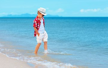 море, побережье, мальчик, шляпа, шорты, берег моря, дитя
