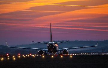 airbus, пассажирский самолет, взлетно-посадочная полоса
