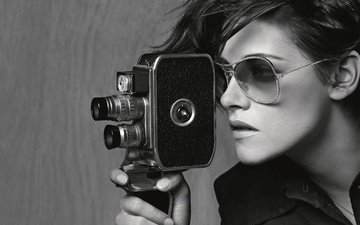 девушка, очки, чёрно-белое, кристен стюарт, лицо, актриса, камера
