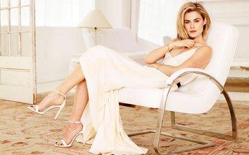 Кресло белое платье