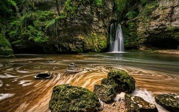 камни, скала, ручей, водопад, швейцария, мох, la tine de conflens