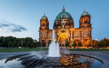 ночь, вечер, люди, город, фонтан, церковь, архитектура, германия, достопримечательности, берлинский кафедральный собор
