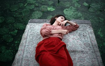 озеро, природа, девушка, платье, поза, волосы, красное, нева