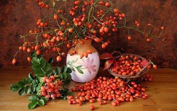 шиповник, корзина, ягоды, ваза, натюрморт