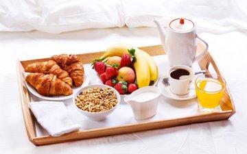 яблоки, клубника, кофе, завтрак, молоко, бананы, мюсли, сок, круассаны, эппл, молока