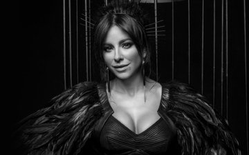 look, black and white, face, singer, ani lorak