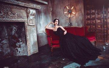 поза, модель, диван, королева, черное платье, алла бергер