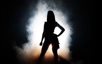 свет, микрофон, дым, певица, темнота, сцена, бейонс