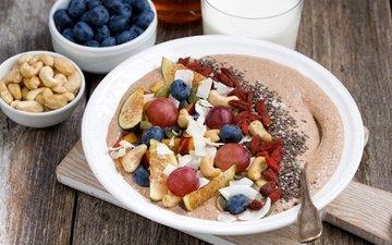 виноград, фрукты, ягоды, завтрак, молоко, каша, инжир, голубика, кешью, годжи
