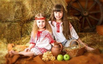 лето, яблоки, деревня, волосы, корзина, девочки, яйца, колесо, сеновал, детство, костюмы, кувшин, улыбки, сушки