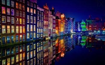 ночь, огни, отражение, город, цвет, лодки, канал, дома, здания, нидерланды, крыши, амстердам, фасады