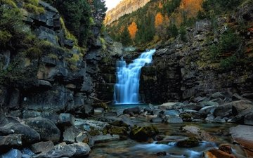 деревья, вода, скалы, камни, водопад