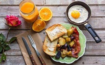 роза, апельсин, завтрак, картофель, сок, яичница, тосты, бекон