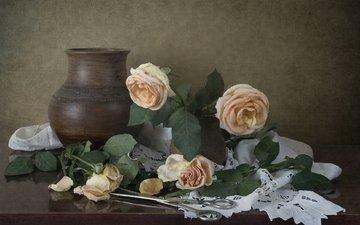 бутоны, винтаж, розы, лепестки, кувшин, ножницы, натюрморт