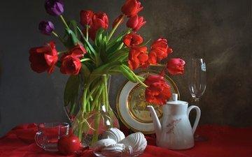 бокал, тюльпаны, яблоко, чашка, посуда, тарелка, зефир, натюрморт, кофейник