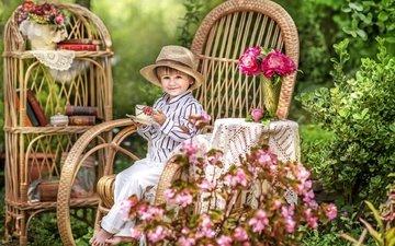 цветы, лето, книги, радость, сад, кресло, мальчик, чаепитие, детство, шляпа, уют, дача
