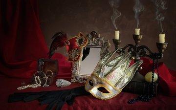 свечи, маска, зеркало, перо, ожерелье, перчатки, натюрморт, шкатулка