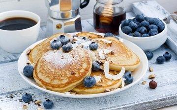 орехи, кофе, ягоды, завтрак, блины, голубика, панкейк