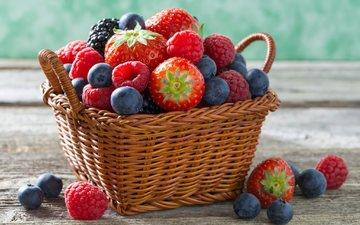 малина, клубника, корзина, ягоды, голубика