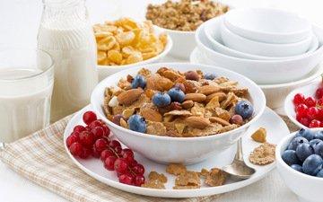 орехи, ягоды, завтрак, молоко, смородина, миндаль, хлопья, голубика