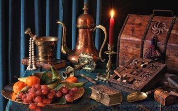 виноград, фрукты, свеча, медь, книга, ожерелье, мандарины, натюрморт, груши, сундук, специи, ступка, кофейник