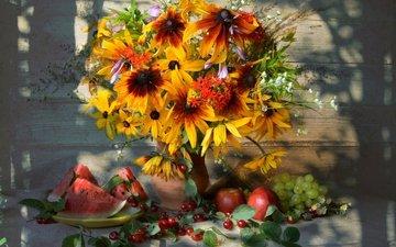 виноград, фрукты, тень, арбуз, букет, вишня, яблоко, натюрморт, рудбекия, хоста