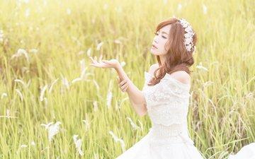 рука, девушка, платье, поле, лето, лицо