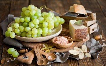 виноград, сыр, тарелка, натюрморт, тёрка, жёлуди, ложки, деревянные