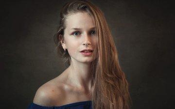 девушка, фон, портрет, взгляд, красавица, модель, лицо, милая, красивая, шатенка, молодая, киностудия, длинноволосая, даша, дарья, легкие