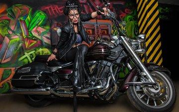 маска, поза, модель, мотоцикл, граффити, байк, сапоги