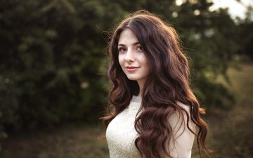 девушка, парк, портрет, брюнетка, лето, взгляд, красавица, модель, лицо, милая, вдохновение, рубашка, красивая, шатенка, красива, боке, ирина, хорошенькая, волос, sunshine, dmitrij butvilovskij, легкие, замечательная, ирина сидоренко