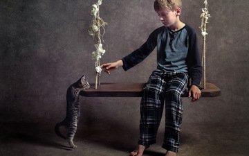 кошка, мальчик, качели